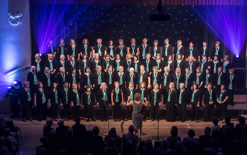 Musical Director's Swansong a Dazzling Spectacular – Surrey Music's 'Razzle Dazzle' June Charity Concert At Addlestone