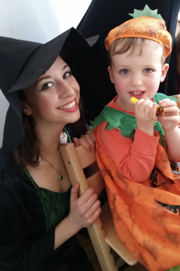 Halloween Fun - Weybridge Elmbridge Lucy Sparkles Party