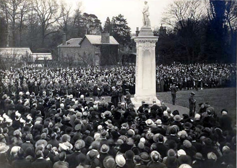 Remembrance Sunday Ceremonies In Weybridge Surrey – Wreath Laying Ceremony, Parade & Church Services