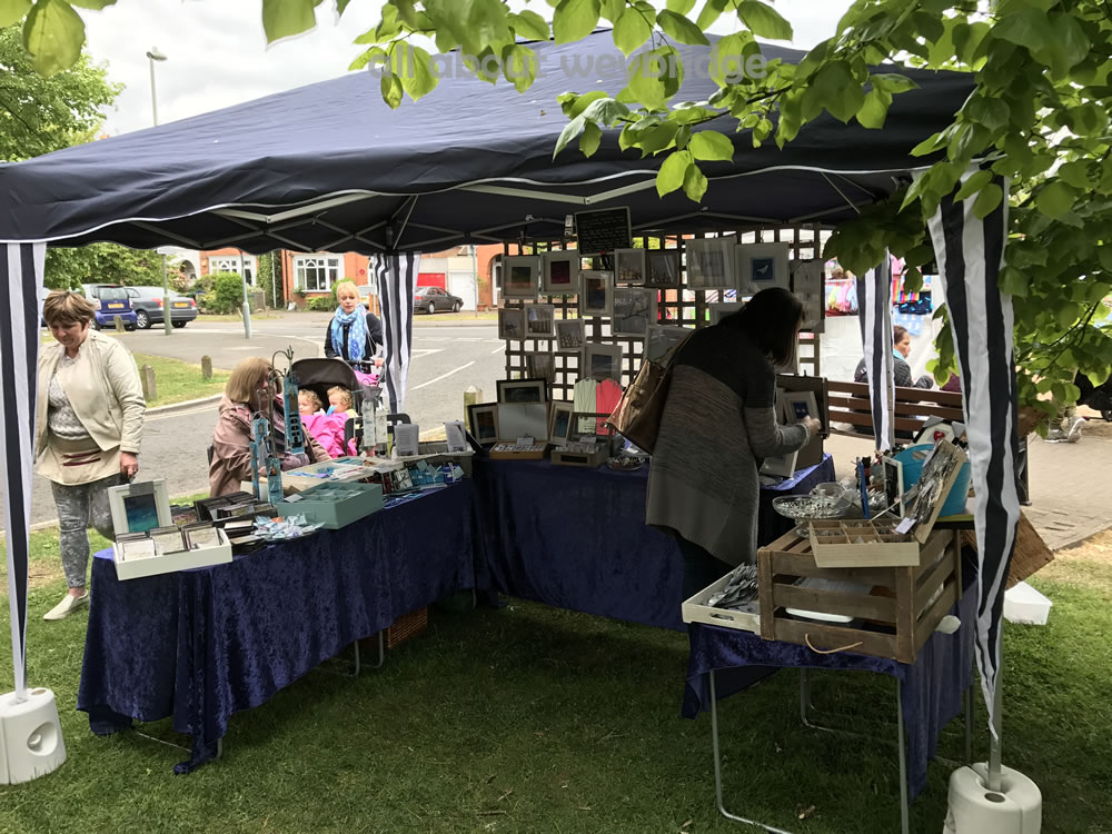KD Designs and Creakey Crafts - Fused glass objects-stall-weybridge-cake-off