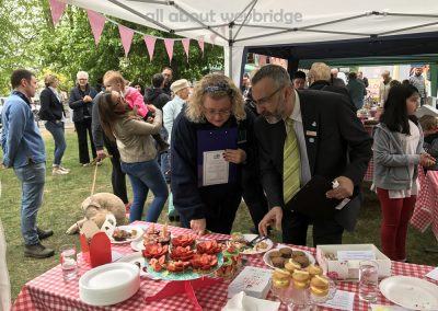 competition-judging-weybridge-cake-off
