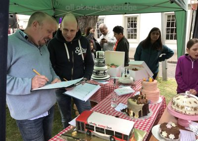 judging--abelio-bus-weybridge-cake-off