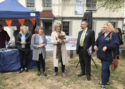 ruth-langsford-and-judges-receive-thank-you-gifts-weybridge-cake-off
