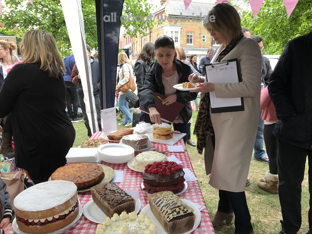 weybridge-cake-off-family-bakes-judged-kitchen-shop-ruth