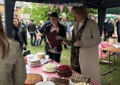 weybridge-cake-off-family-bakes-judged-ruth-langsford-gemma-kitchen-shop
