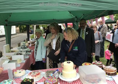 weybridge-cake-off-judges-arrive