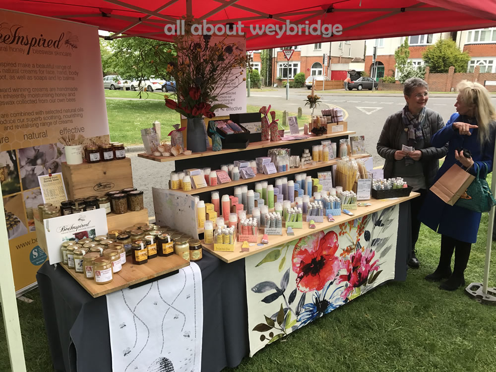 weybridge-cake-off-photos-1000-craft-market-bee-inspired