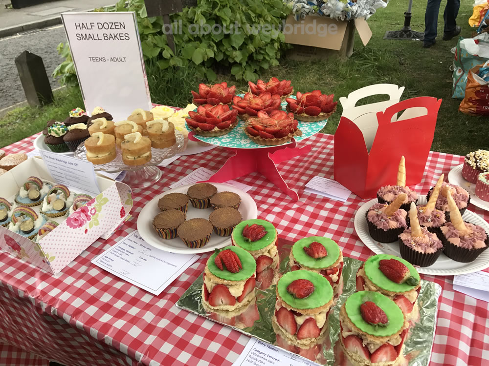 weybridge-cake-off-photos-1000-half-dozen-small-bakes-teenagers & Adult