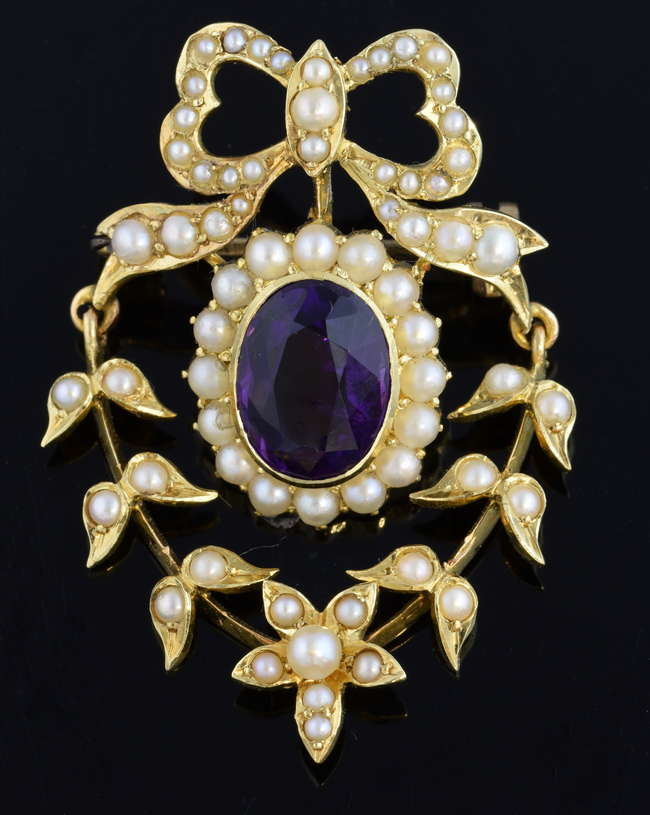 Woking Surrey Jewellery Auction - Early 20th Century seed pearl and amethyst brooch