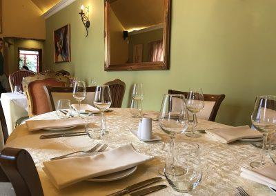 Dining In Weybridge - Table at Meejana