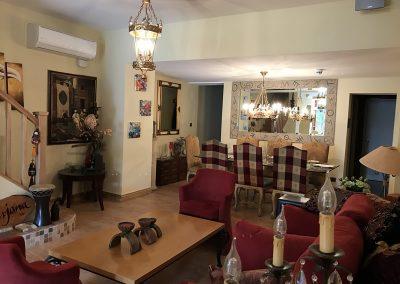 Lovel decor in refurbished Weybridge Restaurant