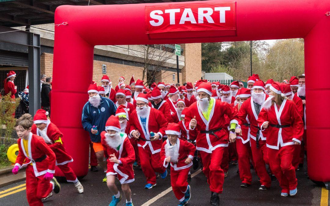 Woking Park Santa Fun Run For Woking & Sam Beare Hospices