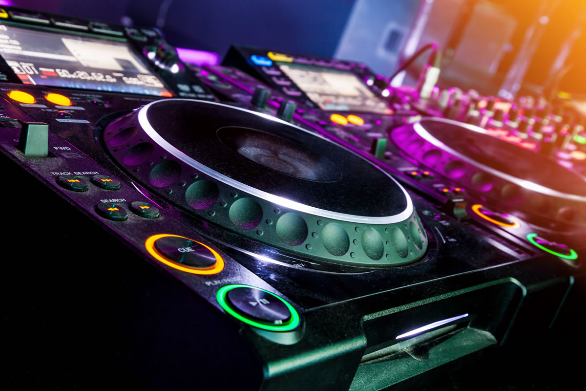 DJ Nights on Fridays & Saturdays at Red Bar & Restaurant Weybridge Surrey