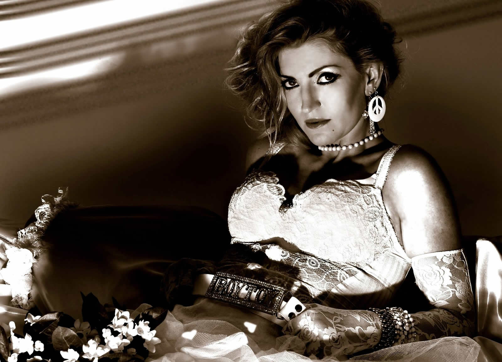 Vogue - A Tribute To Madonna – Live Music at Red Bar & Restaurant Weybridge Surrey