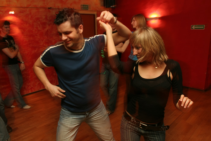 Weybridge Salsa – Dance Classes For Beginners, Improvers & Intermediate