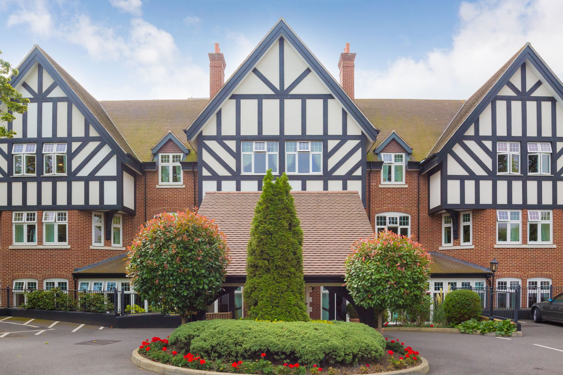 Sunrise Care Home Weybridge provide Dementia and Alzheimers Care