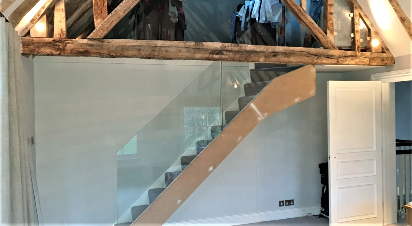 Weybridge and Woking Glass Cutting Service - Stairs Bannister