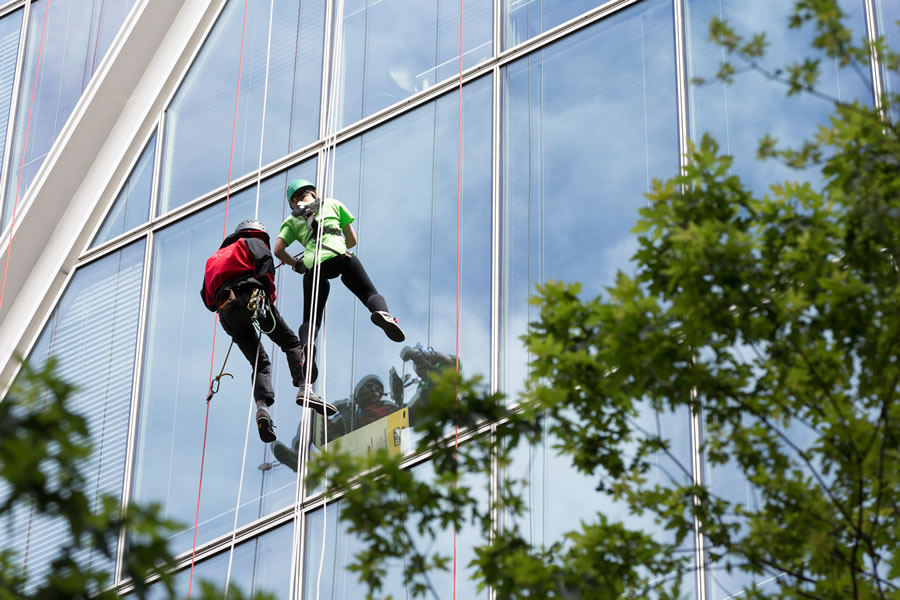 Join the Princess Alice Hospice team abseiling down Broadgate Tower London City Skyscraper