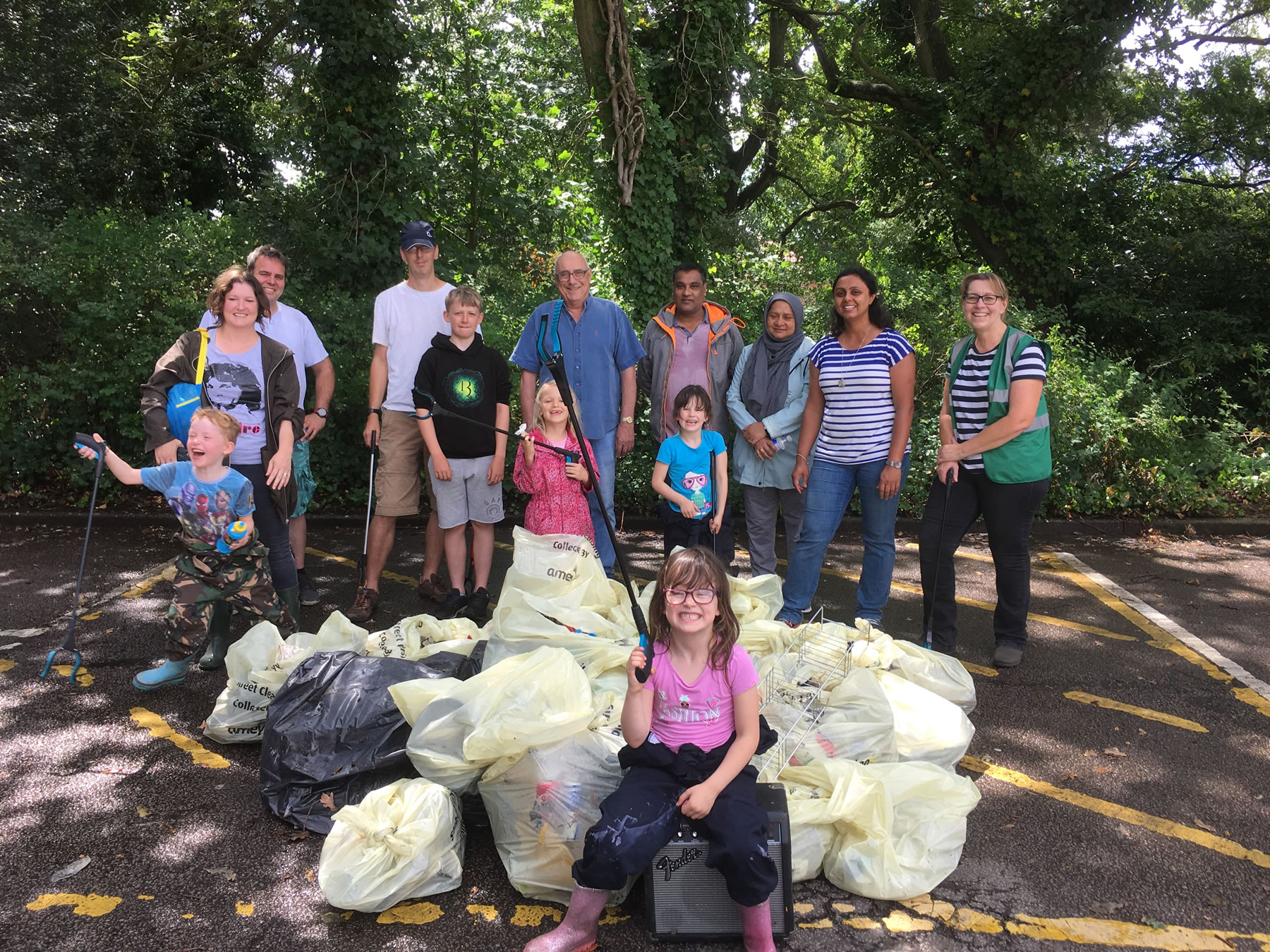 Litter Picking Volunteers - Weybridge In Bloom