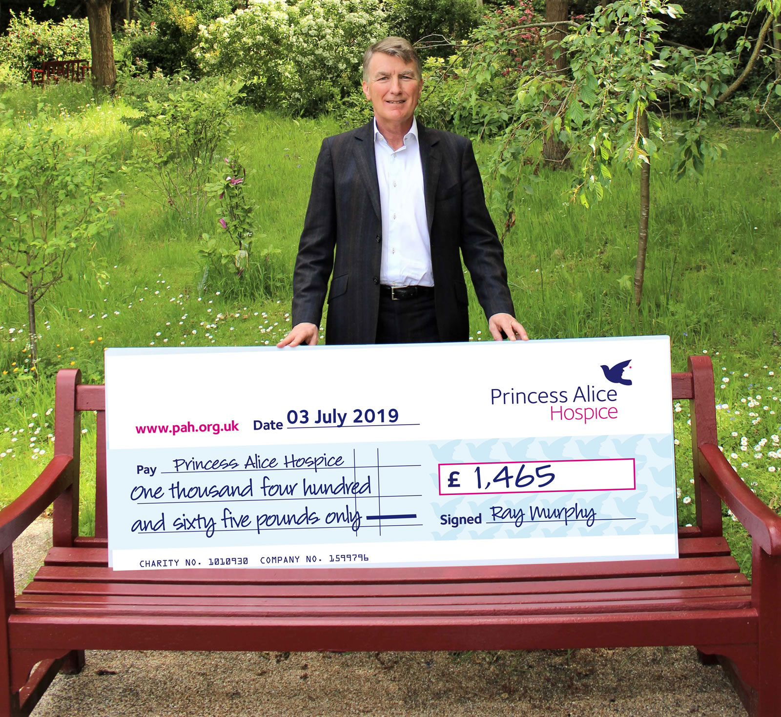 Skydive for Princess Alice Hospice Esher - Ray Murphy with cheque