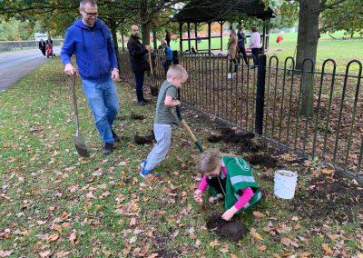 Oatlands Recreation Ground Bulb planting by Weybridge in Bloom 4
