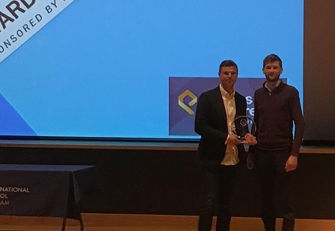 Elmbridge Coach of the Year Award to James Starr – Oxshott Village Sports Club