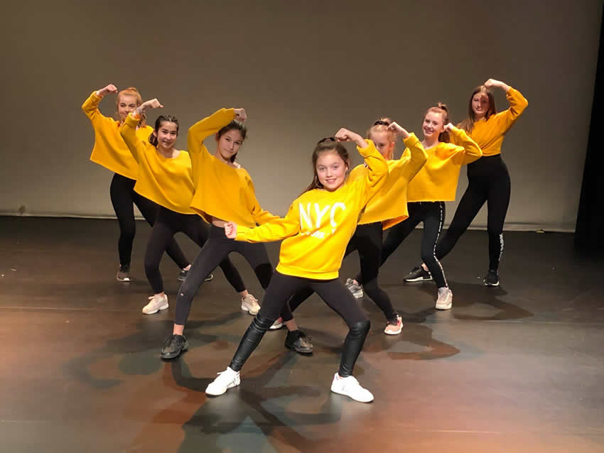 Holly's School of Dance Weybridge Elmbridge - Girls on Stage