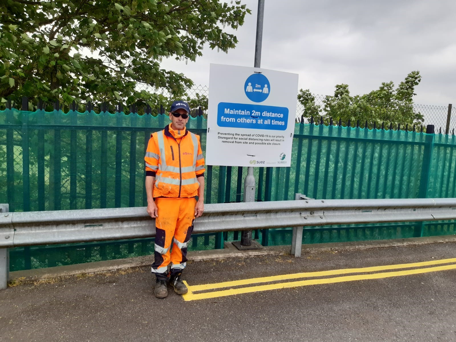Surrey Recycling Centres - maintain 2m distance