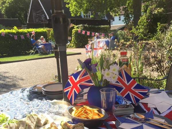 VE Day Party in Elmbridge during Covid-19 Lockdown6a