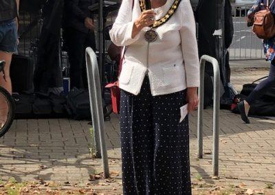 Elmbridge mayor Mary Sheldon opens Weybridge Autumn Market