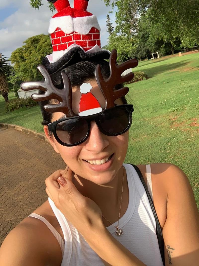 2020 Santa Fun Run in hat and sunglasses - 5k route through Johannesburg