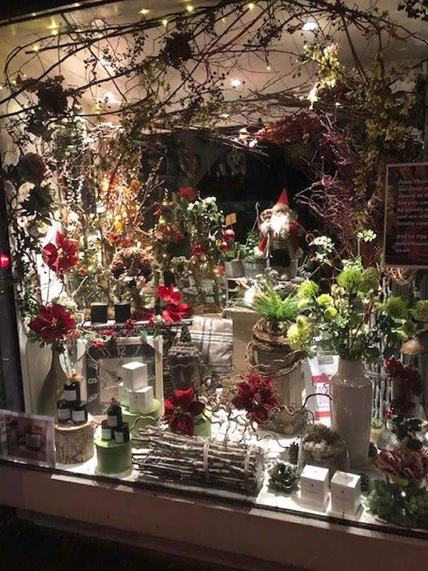 Fleurs Amanda Baker Street Florists - Christmas Window Decorations