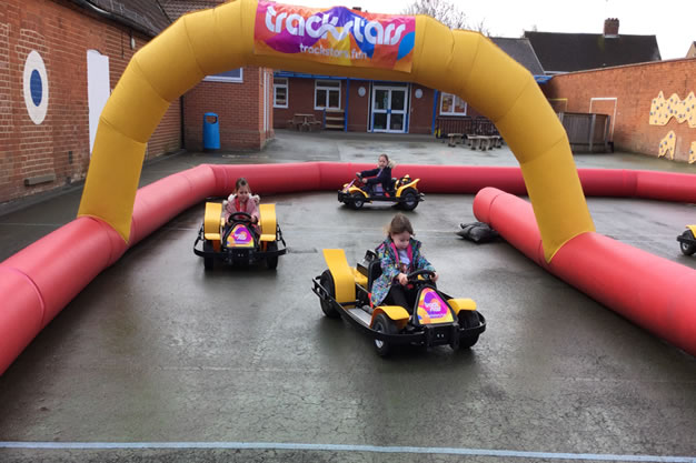 Holiday Clubs in Weybridge by Casa Clubs – Fun, affordable & safe childcare